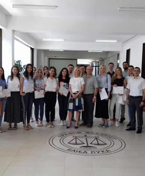 Додјела цертификата студентима, полазицима Криминалистичко-форензичке клинике