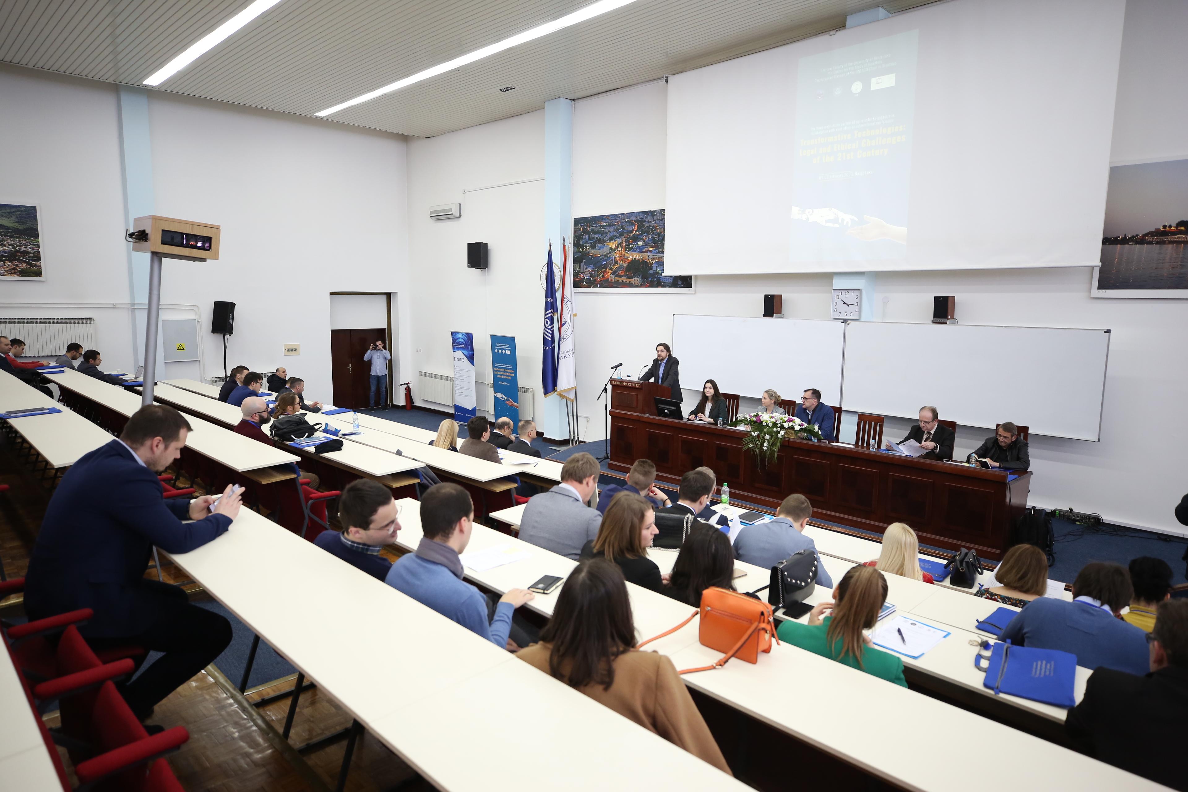 Одржан међународни научни скуп о трансформативним технологијама (Правни факултет)